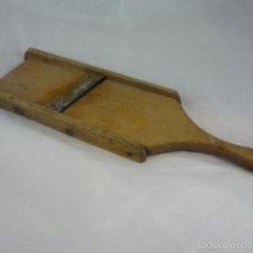 Antigüedades: ANTIGUO RALLADOR CORTADOR LAMINADOR DE PATATAS. Lote 57410695