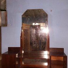 Antigüedades: MUEBLE RECIBIDOR CON GRAN LUNA EN MADERA DE NOGAL.. Lote 26036717