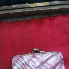 Antigüedades: PRECIOSO MONEDERO DE NÁCAR DE LOS AÑOS 30.. Lote 57440808