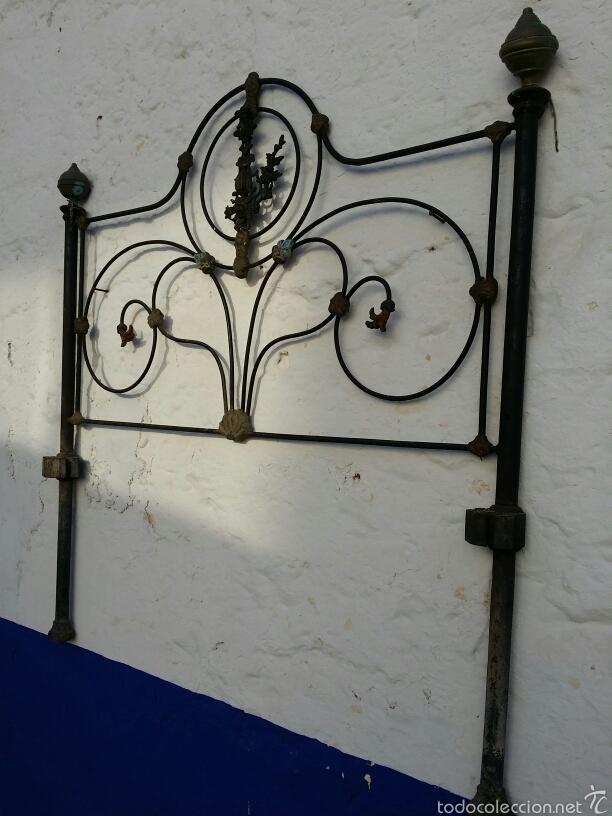 Antigüedades: Cabezal de forja con moldura de latón - Foto 2 - 57457494