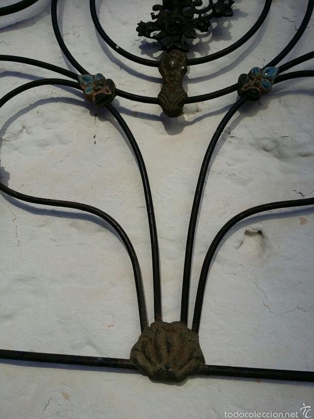 Antigüedades: Cabezal de forja con moldura de latón - Foto 3 - 57457494