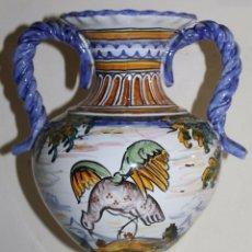 Antigüedades: JARRÓN EN CERÁMICA ESMALTADA DE TALAVERA - MARCAS EN LA BASE - MEDIADOS DEL SIGLO XX. Lote 57464969