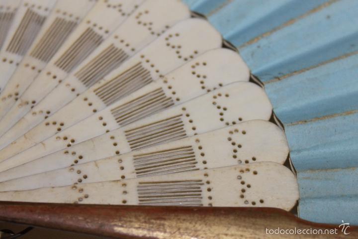Antigüedades: ABANICO FRANCÉS EN HUESO CALADO Y PAPEL PINTADO A MANO - CIRCA 1850 - Foto 10 - 57470502