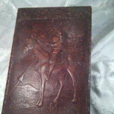 Antigüedades: CIGARRERA Y PURERA CON CAJA DE MÚSICA Y PIEL REPUJADA.. Lote 57507143
