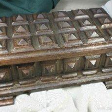 Antigüedades: CAJA DE MADERA PIRAMIDAL. HECHA A MANO. S.XX.. Lote 57527432