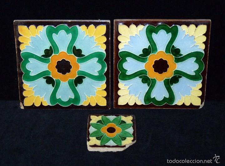 LOTE DE 3 AZULEJOS MODERNISTAS CUERDA SECA 15X15/7,5X7,5 CM. MANISES VALENCIA AÑOS 20 (Antigüedades - Porcelanas y Cerámicas - Manises)