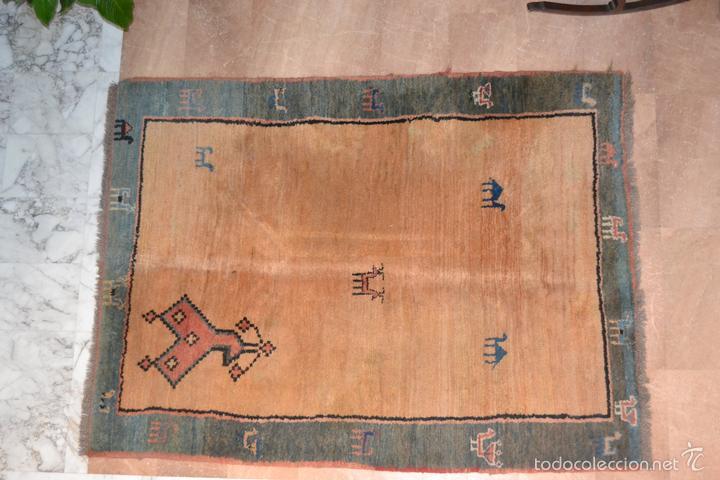 ALFOMBRA PERSA GABBEH. MEDIDAS: 2,30 X 1,73 M. LANA ANUDADA A MANO. (Antigüedades - Hogar y Decoración - Alfombras Antiguas)