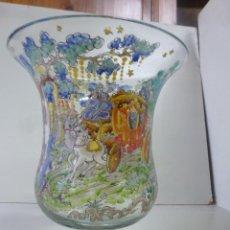 Antigüedades: JARRÓN DE CRISTAL EN FORMA DE COPA, PINTADO Y ESMALTADO. FIRMADO CIRERA. Lote 120594802