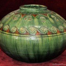 Antigüedades: ANTIGUA JARDINERA EN CERÁMICA VIDRIADA EN TONALIDAD VERDE Y OCRE DE TITO (ÚBEDA). Lote 57584072