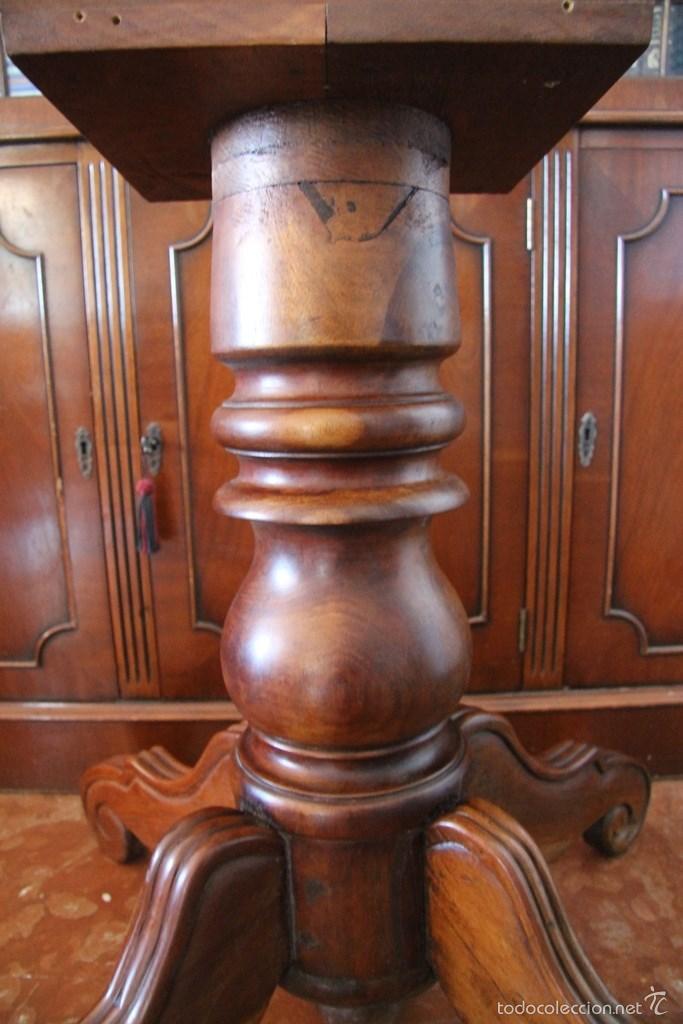 Antigüedades: PIE DE MESA EN MADERA NOBLE - COLUMNA CENTRAL TORNEADA PATAS LABRADAS - CONSISTENTE ROBUSTA - Foto 3 - 148413933