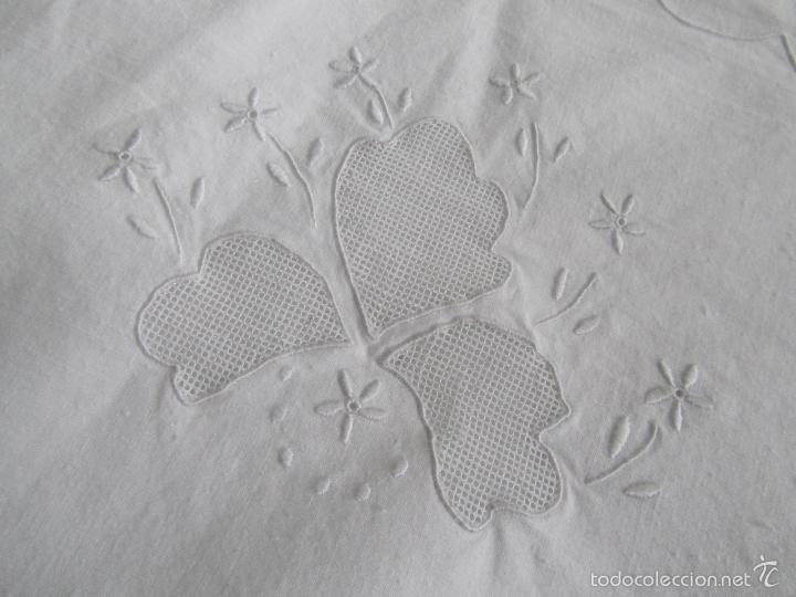 Antigüedades: Sábana con bordados + funda de almohada Cama de uno veinte - Foto 10 - 146525908