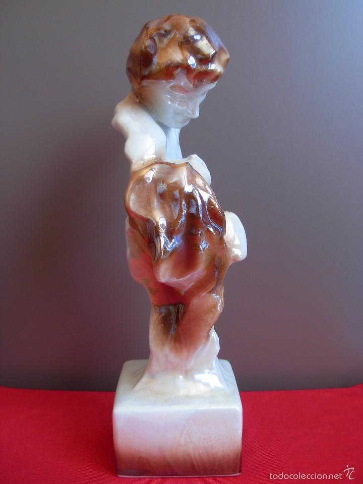 Antigüedades: Escultura pareja enamorados en porcelana de reflejos - Foto 7 - 199718921