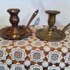 Antigüedades: PAREJA DE PALMATORIAS DE BROCE MUY ANTIGUAS. Lote 84354748
