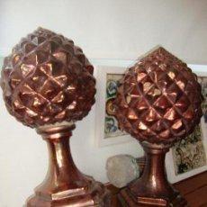 Antigüedades: DOS PIÑAS CERAMICAS REFLEJO DE COBRE. Lote 57716802