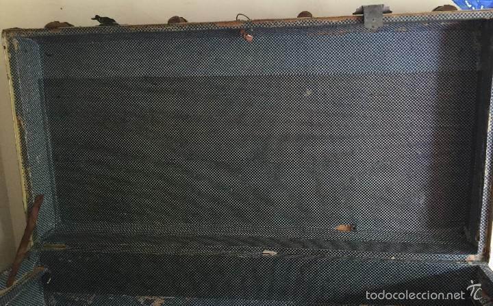 Antigüedades: Antiguo baúl polipiel marrón y madera - Foto 5 - 57724281
