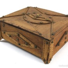 Antigüedades: CAJA ECLIPTICA EN MADERA DE ROBLE DEL SIGLO XIX. Lote 57744816