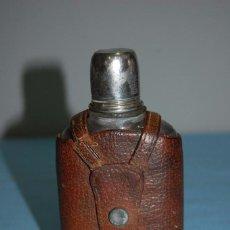Antigüedades: PETACA CON FUNDA DE CUERO ORIGINAL. Lote 57767954