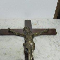 Antigüedades: CRISTO EN LA CRUZ EN BRONCE MACIZO DEL XX. Lote 57770087