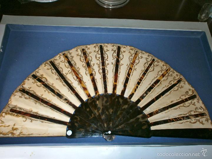 Antigüedades: Abanico pericón de carey y cabritilla, pintado a mano. - Foto 5 - 57799124