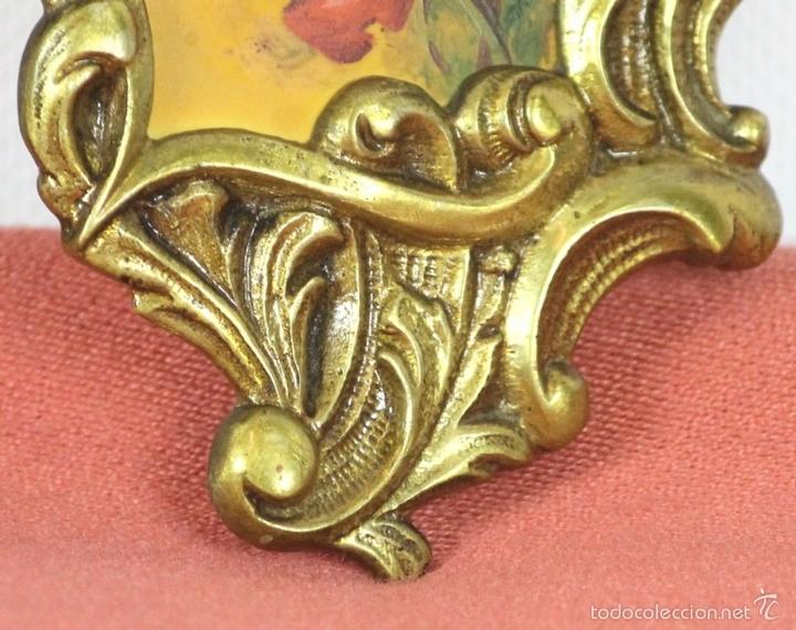 Antigüedades: PAREJA DE CORNUCOPIAS EN METAL DORADO. MOTIVOS FLORALES. EUROPA. SIGLO XIX-XX. - Foto 5 - 57829750