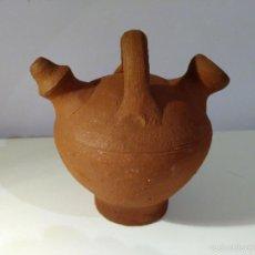 Antigüedades: PORRÓN O VASIJA DE BARRO. ANTIGUO.. Lote 116770436