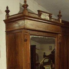 Antigüedades: ARMARIO ISABELINO DE NOGAL. Lote 57885500