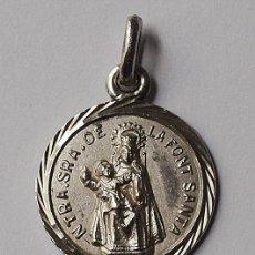 Antigüedades: MEDALLA DE NTRA SRA DE LA FONT SANTA. CREO QUE DE PLATA. 1,7 MM DIAMETRO.2,3 GRS. VER FOTOS Y DESCRI. Lote 57899065
