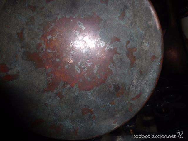 Antigüedades: ANTIGUO CUBO O CALDERA DE COBRE CON EL ASA DE BRONCE. - Foto 6 - 57902884