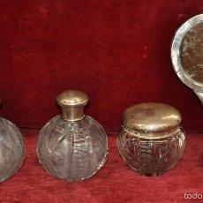Antigüedades: CONJUNTO DE TOCADOR DE LOS AÑOS 40 EN CRISTAL TALLADO Y PLATA. Lote 57906584