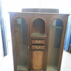 ANTIGUO MUEBLE VITRINA NOGAL