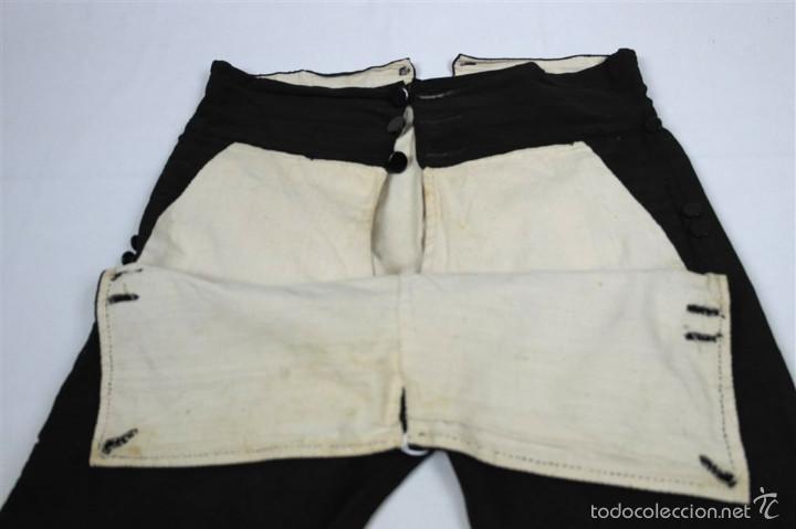 Antigüedades: Chaqueta y calzón de seda - Foto 3 - 57920073