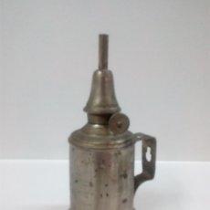 Antigüedades: ANTIGUA LAMPARA DE PETROLEO . PIGEON . Lote 57921064