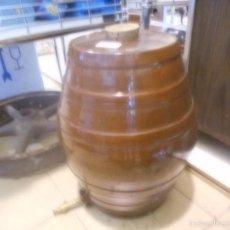 Antigüedades: BARRIL DE CERAMICA CON GRIFO PARA VINO GRANDE PERFECTO ESTADO. Lote 57925138