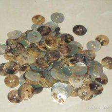 Antigüedades: ANTIGUOS BOTONES DE NACAR.114 UNIDADES.. Lote 57933432