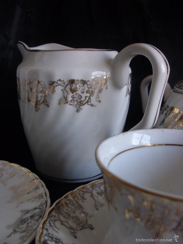 Antigüedades: JUEGO DE CAFE ROYAL POLA GIJÓN CON PORCELANA BLANCA Y CENEFA EN ORO - Foto 3 - 57946221