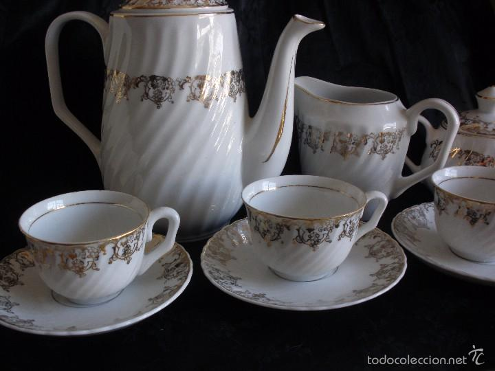 Antigüedades: JUEGO DE CAFE ROYAL POLA GIJÓN CON PORCELANA BLANCA Y CENEFA EN ORO - Foto 6 - 57946221