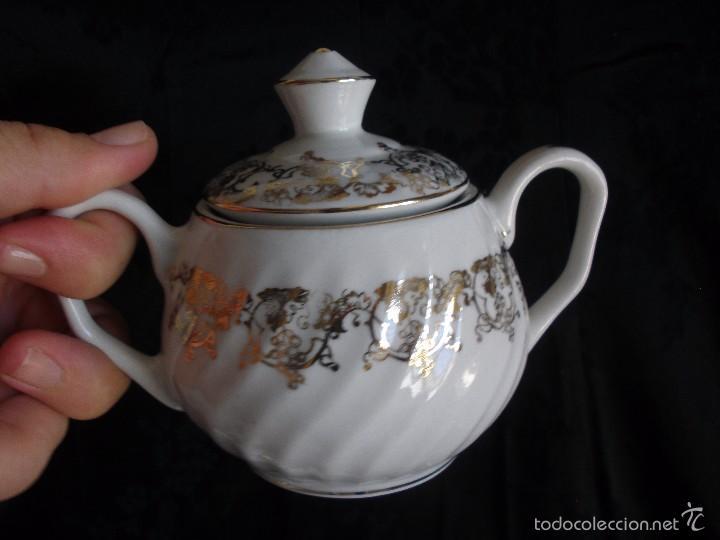 Antigüedades: JUEGO DE CAFE ROYAL POLA GIJÓN CON PORCELANA BLANCA Y CENEFA EN ORO - Foto 16 - 57946221