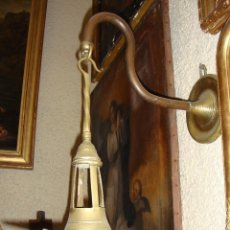 Antigüedades: ANTIGUO CANDIL O LAMPARA DE ACEITE. S.XIX. CON APLIQUE PARA LA PARED. BRONCE.. Lote 57950142