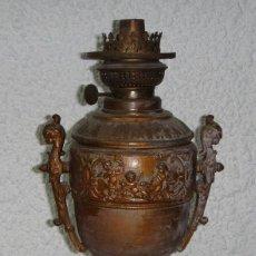 Antigüedades: ANTIGUO QUINQUE MODERNISTA. ANGELES EN RELIEVE. (40 CM, SIN LA TULIPA). Lote 57950691