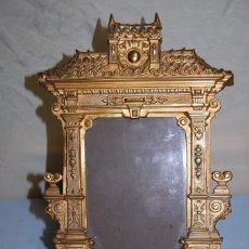 Antigüedades: MARCO MODERNISTA EN BRONCE DE 1920. Lote 57972157