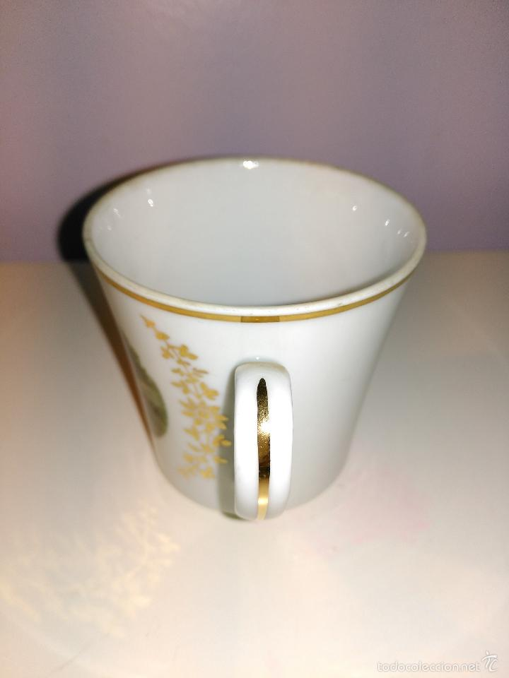 Antigüedades: taza de porcelana muy fina y pan de oro. Santa Clara. Vigo. Escena romántica - Foto 3 - 58070133