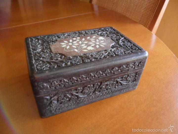 caja de madera labrada y con taracea en hueso antigua antigedades hogar y decoracin
