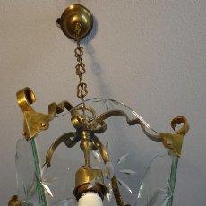 Antigüedades: ANTIGUA LAMPARA FAROL DE BRONCE LATON Y CRISTAL TALLADO. FUNCIONAMIENTO.. Lote 58079082