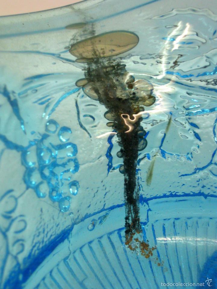 Antigüedades: SIGLO XIX Espectacular Cesta Cristal Bicolor . Hojas de Parra Uvas Vid - Foto 10 - 58110693