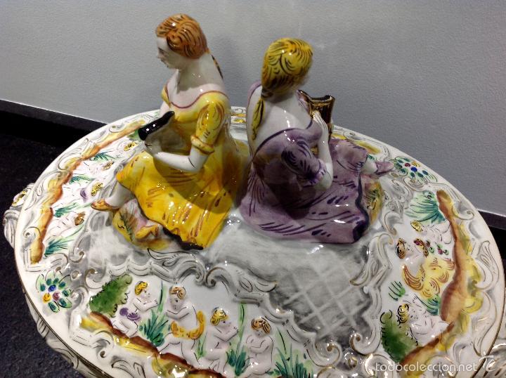 Antigüedades: Sopera portuguesa de gran tamaño, pintada a mano y con dorados. Pereiras valado Portugal - Foto 4 - 58120385