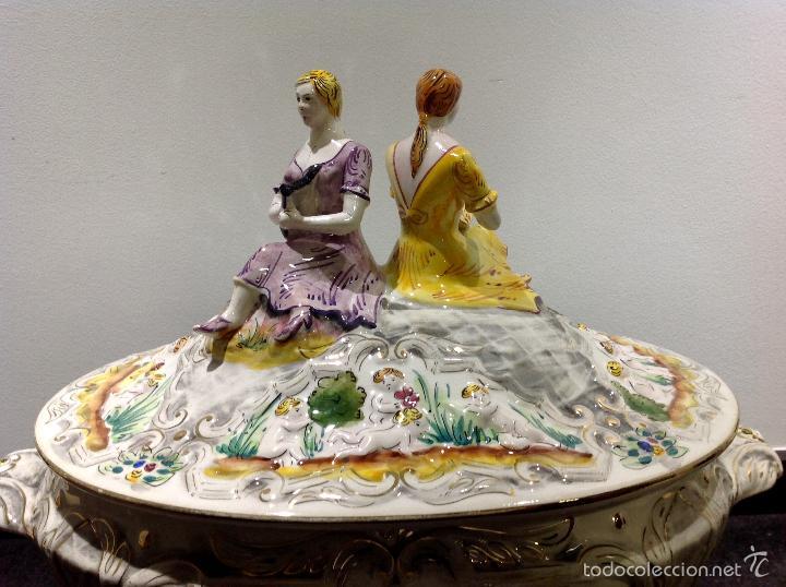 Antigüedades: Sopera portuguesa de gran tamaño, pintada a mano y con dorados. Pereiras valado Portugal - Foto 7 - 58120385