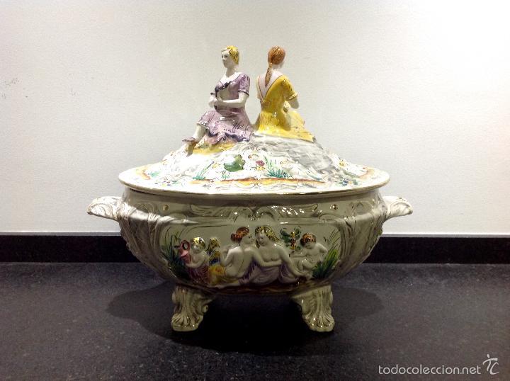 Antigüedades: Sopera portuguesa de gran tamaño, pintada a mano y con dorados. Pereiras valado Portugal - Foto 9 - 58120385