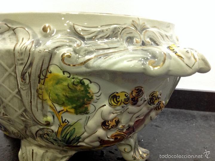 Antigüedades: Sopera portuguesa de gran tamaño, pintada a mano y con dorados. Pereiras valado Portugal - Foto 12 - 58120385