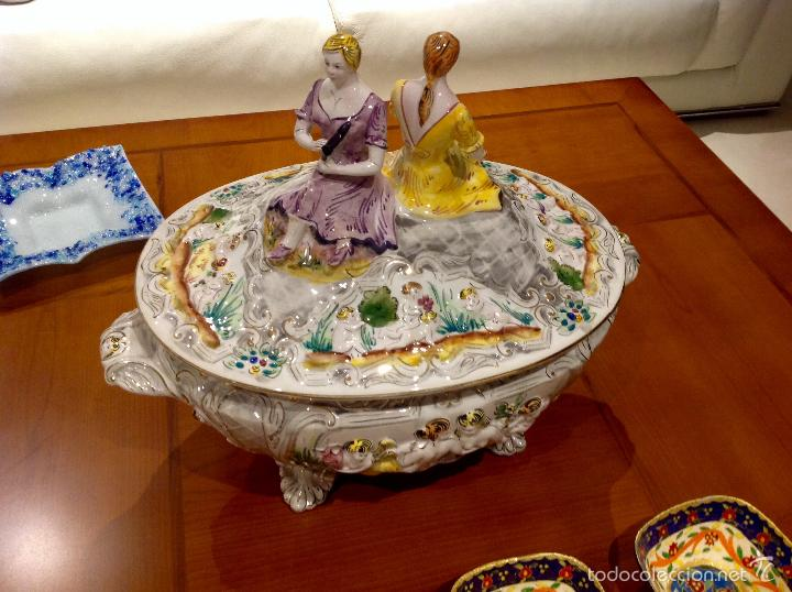 Antigüedades: Sopera portuguesa de gran tamaño, pintada a mano y con dorados. Pereiras valado Portugal - Foto 15 - 58120385