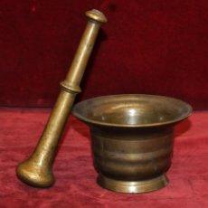 Antigüedades: ANTIGUO ALMIREZ DE FINALES DEL SIGLO XVIII - PRINCIPIOS DEL SIGLO XIX CON SU MANO. Lote 58127420